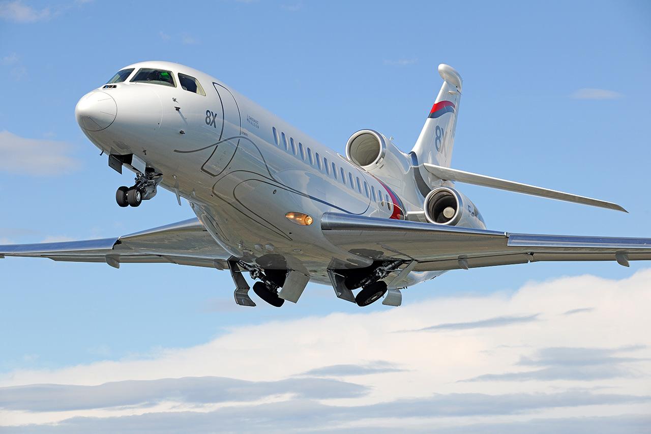 Dassault Falcon 8X jet charter exterior