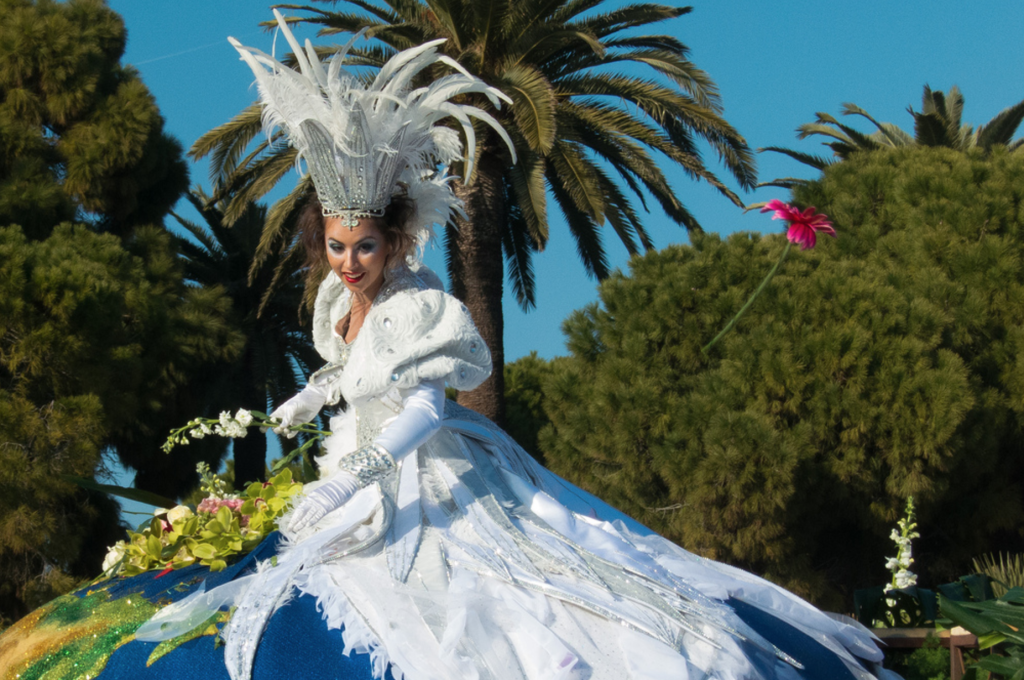 carnival lady